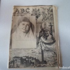 Coleccionismo de Revistas y Periódicos: ABC EL PAPA . Lote 195082703