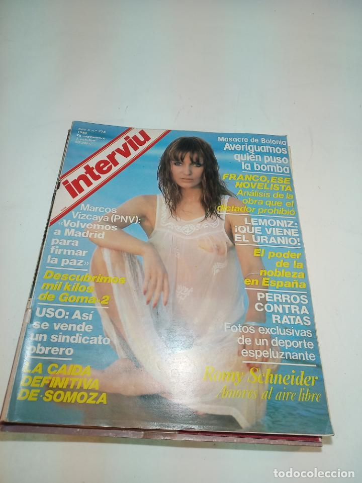 Coleccionismo de Revistas y Periódicos: Gran lote de 49 revistas Interviu. Números entre el 75 de 1977 y el 231 de 1980. Fotos de todas. - Foto 5 - 195739556