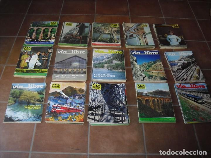 GRAN LOTE 144 NÚMEROS REVISTA VIA LIBRE RENFE FERROVIARIOS (Coleccionismo - Revistas y Periódicos Modernos (a partir de 1.940) - Otros)