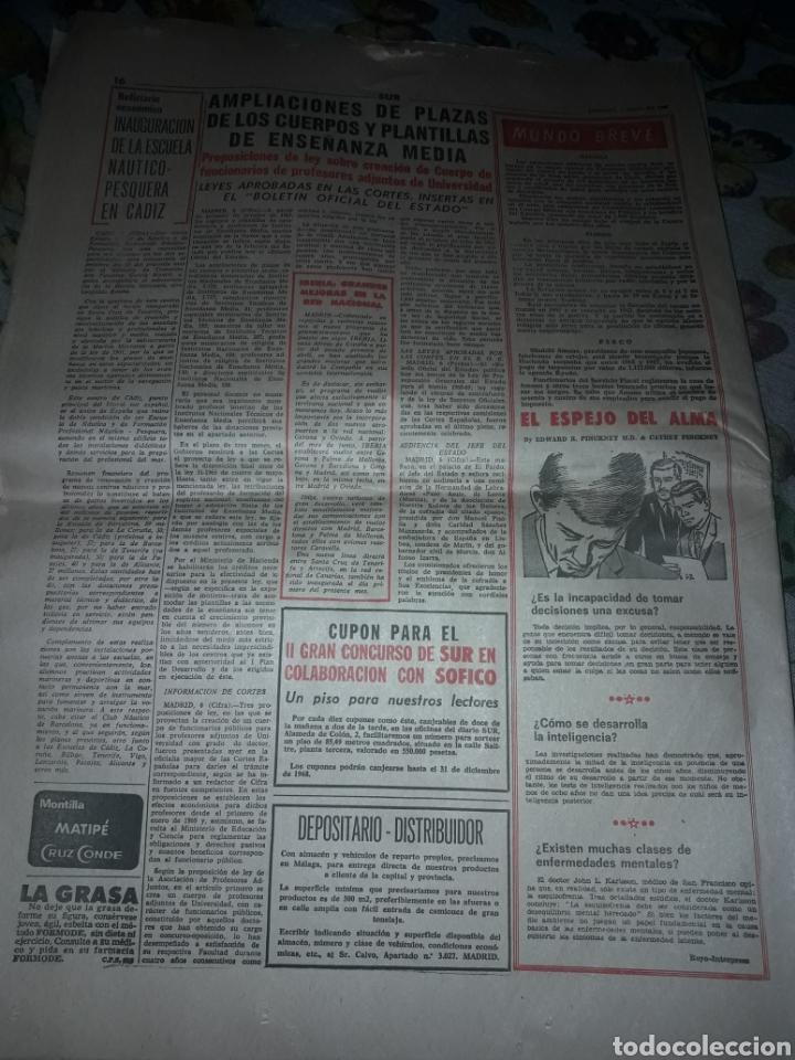 Coleccionismo de Revistas y Periódicos: Diario Sur del Domingo 7 de Abril de 1968 completo y con suplemento de Semana Santa. - Foto 2 - 206582235