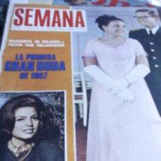 Coleccionismo de Revistas y Periódicos: IRA DE FURSTENBERG SYLVIE VARTAN JULIE ANDREWS GINA LOLLOBRIGIDA BEATLES 1967. Lote 211399441