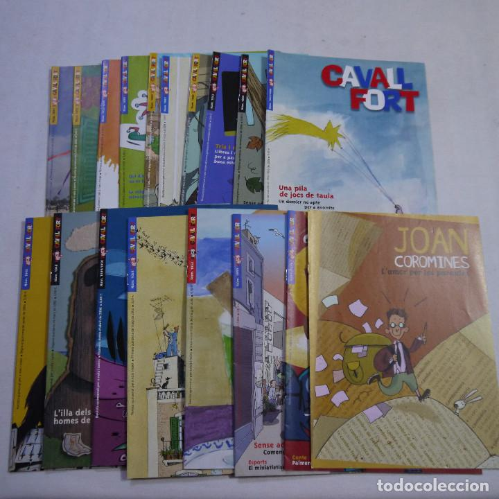 LOTE 18 REVISTAS CAVALL FORT 2006 (AÑO CASI COMPLETO FALTAN 2 NÚMEROS EL 1044 Y EL 1046) (Coleccionismo - Revistas y Periódicos Modernos (a partir de 1.940) - Otros)