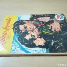Coleccionismo de Revistas y Periódicos: QUINTA AVENIDAD, REVISTA FEMENINA / TOMO I, 1952 - FOTONOVELA / HOGAR LABORES MUJER MODA / AC302. Lote 237130375