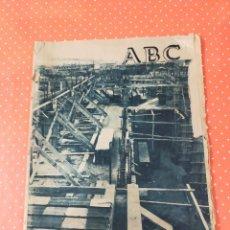 Coleccionismo de Revistas y Periódicos: PERIÓDICO ABC DEL JUEVES 13 DE ENERO DE 1955. Lote 243059210