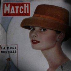 Coleccionismo de Revistas y Periódicos: REVISTA FRANCESA PARIS MATCH AUDREY HEPBURN ROMY SCHNEIDER 1956. Lote 245917715