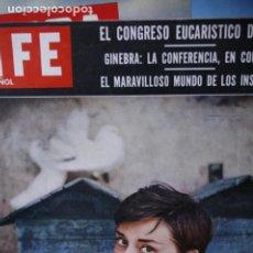 Coleccionismo de Revistas y Periódicos: REVISTA LIFE AUDREY HEPBURN 1955. Lote 246085540