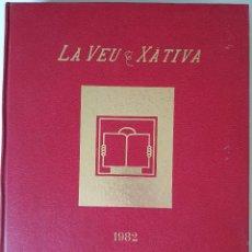 Coleccionismo de Revistas y Periódicos: LA VEU DE XATIVA. PRIMER AÑO, ENCUADERNADA. DICIEMBRE DE 1981 A 1982. Lote 282188043