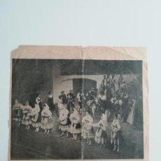 Coleccionismo de Revistas y Periódicos: RECORTE «EL HUÉSPED DEL SEVILLANO» EN EL TEATRO DE LA ZARZUELA MADRID ABC FOTO SANZ BERMEJO 1967. Lote 289886488