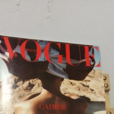 Coleccionismo de Revistas y Periódicos: REVISTA VOGUE. ITALIA. AUTUNNO- INVERNO 2001-2002. SUPLEMENTO AL 611. CAHIER DES DEFILES. Lote 295725473