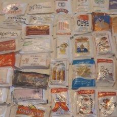 Sobres de azúcar de colección: LOTE 50 ANTIGUOS AZUCARES TODOS DIFERENTES.CON REGALO. Lote 178444650