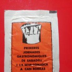 Pacotes de Açúcar de coleção: SOBRE AZÚCAR JORNADA A GASTRONÓMICAS DE SABADELL 1981. CAFÉS PONT. Lote 208923723