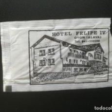 Sobres de azúcar de colección: OYÓN, ÁLAVA. HOTEL FELIPE V. SOBRE DE AZUCAR ABIERTO. DESCRITO EN LA FOTO.. Lote 243843970