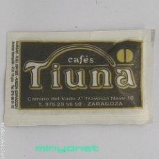 Sobres de azúcar de colección: SOBRE DE AZÚCAR DE CAFÉS TIUNA. KARSAN, 10 GR.. Lote 245370785