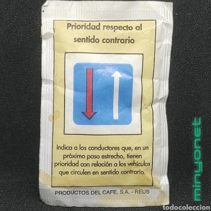 SOBRE DE AZÚCAR SERIE SEÑALES DE TRÁFICO - PRIORIDAD. CAFÉS BRASILIA. PRODUCTOS DEL CAFE, 10 GR. (Coleccionismos - Sobres de Azúcar)