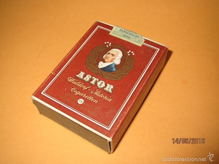 Paquetes de cigarrillos Raleight vintage