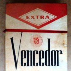 Paquetes de tabaco: 1 ANTIGUA ('60S-'70S) CAJETILLA CON CIGARRILLOS - NUNCA ABIERTA - 'VENCEDOR' (LARGOS EXTRA - DURA). Lote 171736908