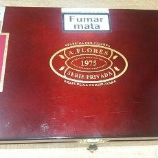 Paquetes de tabaco: CAJA VACÍA A. FLORES 1975. Lote 77448555