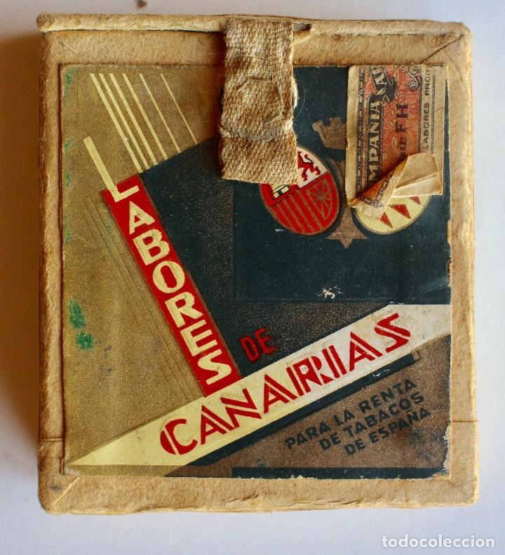 CURIOSO PAQUETE DE CIGARRILLOS ELEGANTES, TRANSFORMADO PARA LLEVAR MAQUINILLA DE AFEITAR (Coleccionismo - Objetos para Fumar - Paquetes de tabaco)