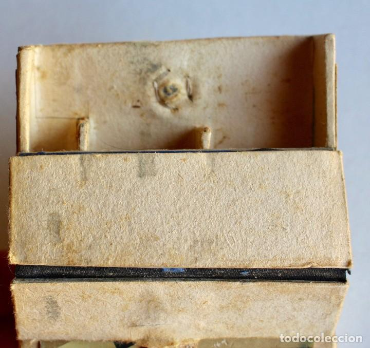 Paquetes de tabaco: CURIOSO PAQUETE DE CIGARRILLOS ELEGANTES, TRANSFORMADO PARA LLEVAR MAQUINILLA DE AFEITAR - Foto 6 - 80288613