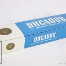 Paquetes de tabaco: CARTÓN DE TABACO CON 10 CAJETILLAS BLANDAS DE CIGARRILLOS DUCADOS NEGROS CON FILTRO - TABACALERA SA. Lote 130749059