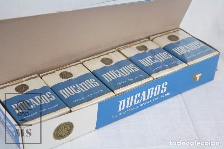 Paquetes de tabaco: Cartón de Tabaco con 10 Cajetillas Blandas de Cigarrillos Ducados Negros con Filtro - Tabacalera SA - Foto 2 - 109773230