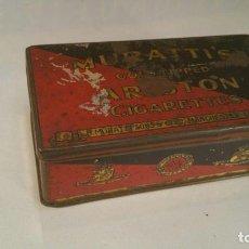 Paquetes de tabaco: CAJA METALICA MURATTIS ARISTON GOLD TIPPED CIGARETTES. Lote 107681947