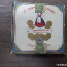 Paquetes de tabaco: PAQUETE DE TABACO DE CARTON. LA COMPETIDORA GADITANA. MEDIDAS : 8 X 8. VER FOTOS.. Lote 128219575