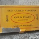 Paquetes de tabaco: GOLD FLAKE CIGARETTES - MADE IN ENGLAND - SUN CURED VIRGINIA - PITILLERA - RARA . Lote 150638282