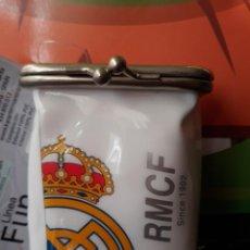 Paquetes de tabaco: PITILLERA PARA EL TABACO DEL REAL MADRID BLANCA. Lote 152476686