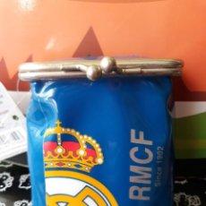 Paquetes de tabaco: PITILLERA PARA EL TABACO DEL REAL MADRID AZUL. Lote 152476886