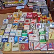Paquetes de tabaco: TABACO EXTRAORDINARIO LOTE DE 66 PAQUETES ORIGINALES ANTIGUOS CON SUS PRECINTOS. Lote 164241806