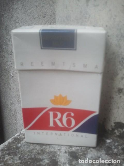 ANTIGUO PAQUETE Ó CAJETILLA DE TABACO - R6 INTERNATIONAL - ALEMÁN - ORIGINAL VENTA EN ALEMANIA (Coleccionismo - Objetos para Fumar - Paquetes de tabaco)