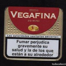 Paquetes de tabaco: CAJA METÁLICA VACÍA DE VEGAFINA ORIGINAL 20 MINI . Lote 194959745