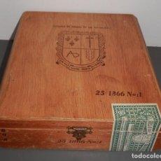 Paquetes de tabaco: CAJA MADERA DE LA COMPAÑIA DE TABACOS DE LAS ANTILLAS S.A.. Lote 194999860