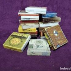 Maços de tabaco: LOTE DE UNOS 17 PAQUETES DE TABACOS, VARIAS MARCAS, LLENAS Y PRECINTADAS. Lote 197410121