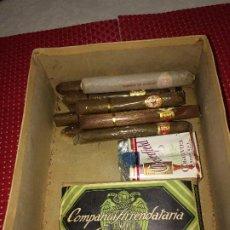 Paquetes de tabaco: CAJA CON TABACO ANTIGUO - PICADURA - PUROS Y CIGARRILLOS - VER DETALLES. Lote 204613406