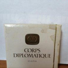 Maços de tabaco: PAQUETE DE TABACO ANTIGUO Y LLENO ( CORPS DIPLOMATIQUE ) DURO, CAJA CUADRADA. Lote 218809215