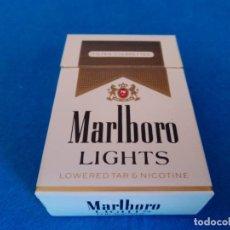 Paquetes de tabaco: CAJETILLA DE CIGARRILLOS DE TABACO MARLBORO LIGHTS - PAQUETE VACIO - AÑOS 80. Lote 218835651