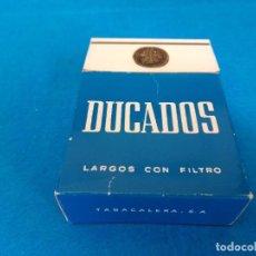 Paquetes de tabaco: CAJETILLA DE CIGARRILLOS DE TABACO DUCADOS LARGOS - PAQUETE VACIO - AÑOS 80. Lote 218837362