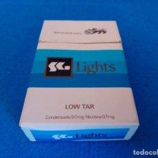 Paquetes de tabaco: CAJETILLA DE CIGARRILLOS DE TABACO SG LIGHTS - PAQUETE VACIO - AÑOS 80. Lote 218838411