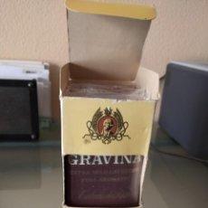 Paquetes de tabaco: ANTIGUA CAJA CON 4 PAQUETES DE TABACO DE PIPA GRAVINA. Lote 222218280