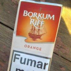 Paquetes de tabaco: BORKUM RIFF ORANGE - NARANJA - ENVASE TABACO DE PIPA - ESCASO. Lote 235631630