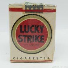 Paquetes de tabaco: PAQUETE TABACO LUCKY STRIKE, AÑOS 40, SELLO DE COMPAÑIA ARRENDATARIA DE TABACOS, CAROLINA DEL NORTE. Lote 261973625