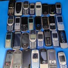 Tarjetas telefónicas de colección: 31 TELÉFONOS NOKIA ANTIGUOS MOVILES DIFERENTES MODELOS. Lote 287652178