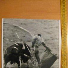 Tauromaquia: PRECIOSA FOTOGRAFIA DEL TORERO ANTONIO CHENEL ( ANTOÑETE) 1968. Lote 16768668