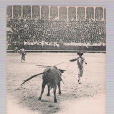 Tauromaquia: POSTAL. CORRIDA DE TOROS. UN PAR DE BANDERILLAS DE FUENTES. HAUSER Y MENET 1994. ANTERIOR A 1906.. Lote 16814600