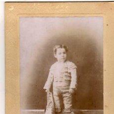 Tauromaquia: FOTOGRAFIA ORIGINAL NIÑO TOREROR CON TRAJE DE LUCES. AMADOR FOTOGRAFO. MADRID. 19 X 13 CM.. Lote 30361841