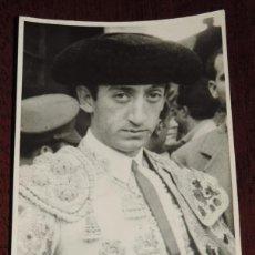 Tauromaquia: FOTOGRAFIA ORIGINAL DE MANOLETE, MANUEL RODRIGUEZ , TOROS , FOTO GONSANHI, MIDE 13,5 X 8,5 CMS.. Lote 41631655