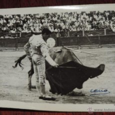 Tauromaquia: FOTOGRAFIA ORIGINAL DE MANOLETE, MANUEL RODRIGUEZ , TOROS , REVERSO CON SELLO DE FOTO CANO, MIDE 11,. Lote 41632014