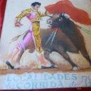 Tauromaquia: TOROS, PINTURA BELLÍSIMO PASE DE PECHO SOBRE TABLA ANTIGUA DE PUBLICIDAD TAURINA. Lote 44176468